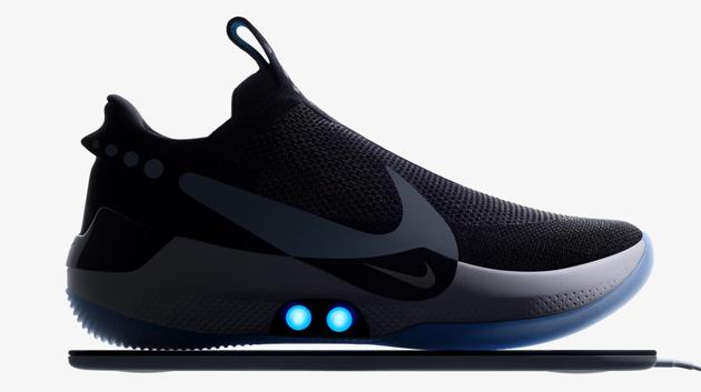 Nike Adapt BB, scarpe smart con calzata adattabile dallo smartphone