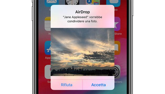 Guida: come usare AirDrop su iPhone, iPad o iPod touch per condividere file
