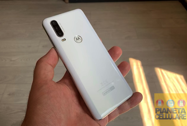 Motorola One Action ufficiale, l'action cam nello Smartphone Android One