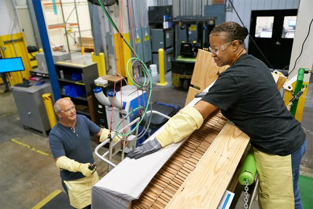 Apple investe altri 250 milioni di dollari in Corning