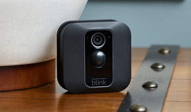 Amazon Blink XT2, videocamera di sorveglianza smart per esterni ed interni