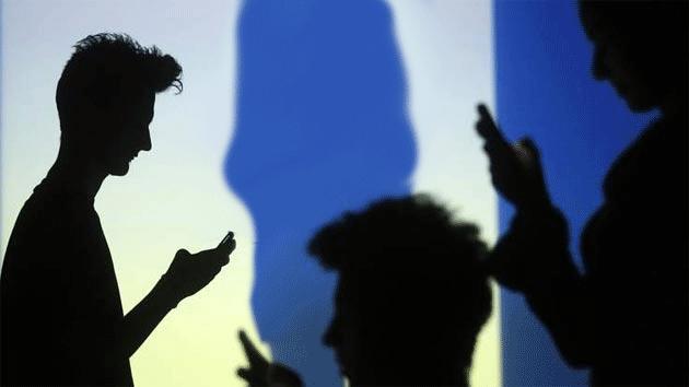 ToTok rimossa dagli store di Apple e Google, app accusata di spiare gli utenti