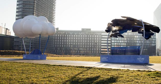 Samsung installa panchine progettate con Galaxy Note a Milano