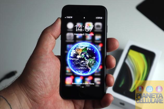Apple iPhone SE 2020, unboxing e prime impressioni: il nuovo vecchio iPhone