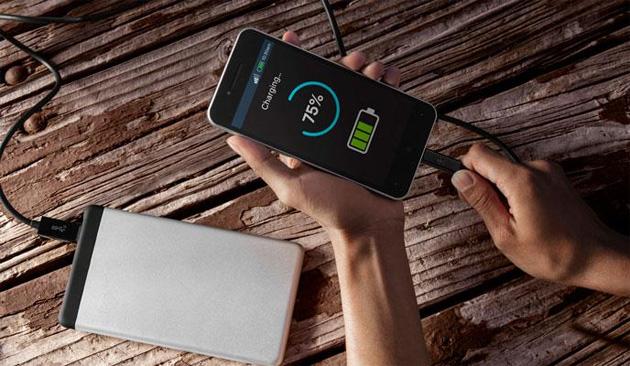 Qualcomm Quick Charge 3 Plus ricarica meta' batteria di uno smartphone in 15 minuti
