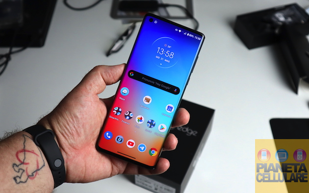 Recensione Motorola Edge: 5G, Snapdragon 765G e super batteria