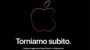 Foto Apple Store Online offline aspettando i primi Mac con chipset Apple oggi