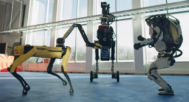 I robot Boston Dynamics riuniti per ballare: il divertente video da guardare