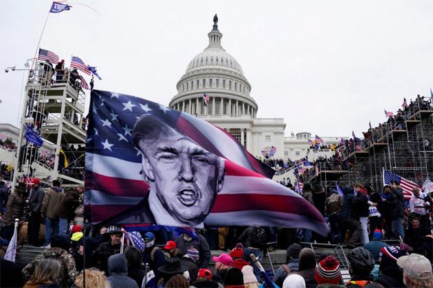 Trump bloccato dai social Twitter e Facebook dopo Assalto al Congresso. Intervenuti anche Youtube e Instagram (aggiornato)